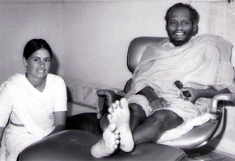 Picture of Girija with Swami Muktananda